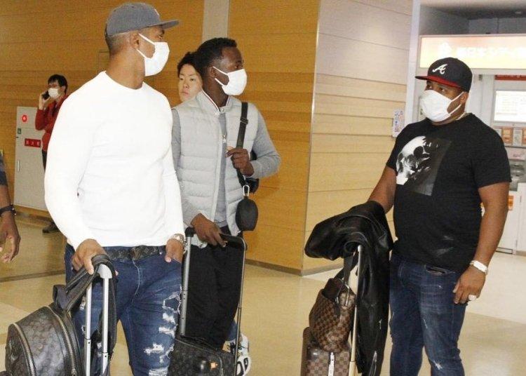 Gracial (extremo derecho), Moinelo (al centro) y Despaigne ya esperan por el equipo cubano en México. Foto: Tomada de Facebook.