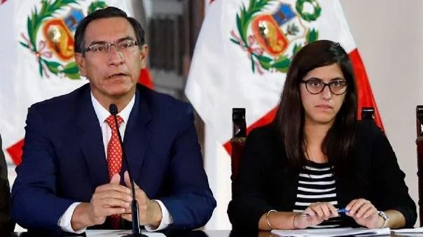 Martín Vizcarra y a la ministra María Antonieta Alva