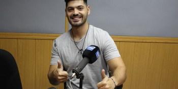 El cantante Salva Ortega nos presenta su nuevo single Atrapados
