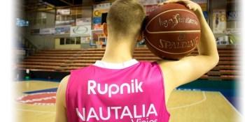 Nautalia tiñe de rosa el derbi del Montakit ante el Real Madrid