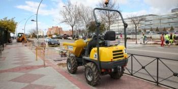 Un semáforo regulará el tráfico a las puertas de dos centros educativos en el Camino del Molino