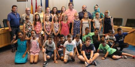 Recepción en el Ayuntamiento a los niños y niñas saharauis y bielorrusos