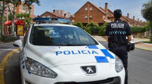 La Policía Local detiene a los ocupantes de un vehículo que circuló en dirección contraria