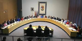 El Pleno municipal pide a la Comunidad que incremente el Plan Regional de Inversiones