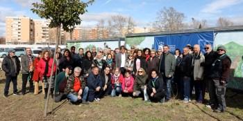70 vecinos y vecinas han recibido hoy sus huertos comunales en Loranca