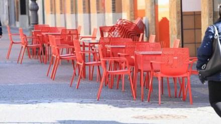 Ampliación del espacio de terrazas y veladores en compensación por el pago de las tasas de 2020