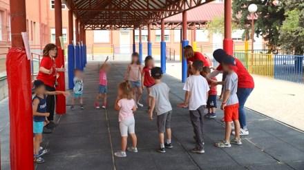 Mañana se inician las Fuenlicolonias de verano con menos niñas y niños