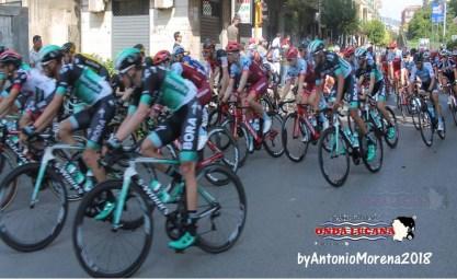 Giro d'Italia squadra corsa in seconda by Antonio Morena