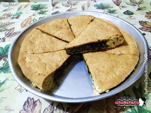 Torta salata con spinaci e fontina Immagine tratta da repertorio di Onda Lucana®by Pina Chidichimo 2020