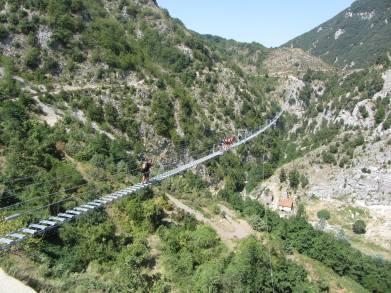Immagine tratta da onda lucana® by Luigi Cosentino 2021 Il Ponte Tibetano.jpg09.jpg5.jpg4