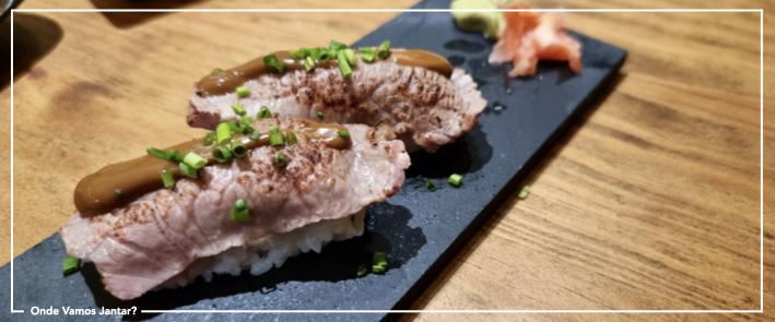 atalho do cais sushi de carne nigiri