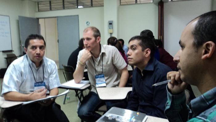 Academia grupos de trabajo