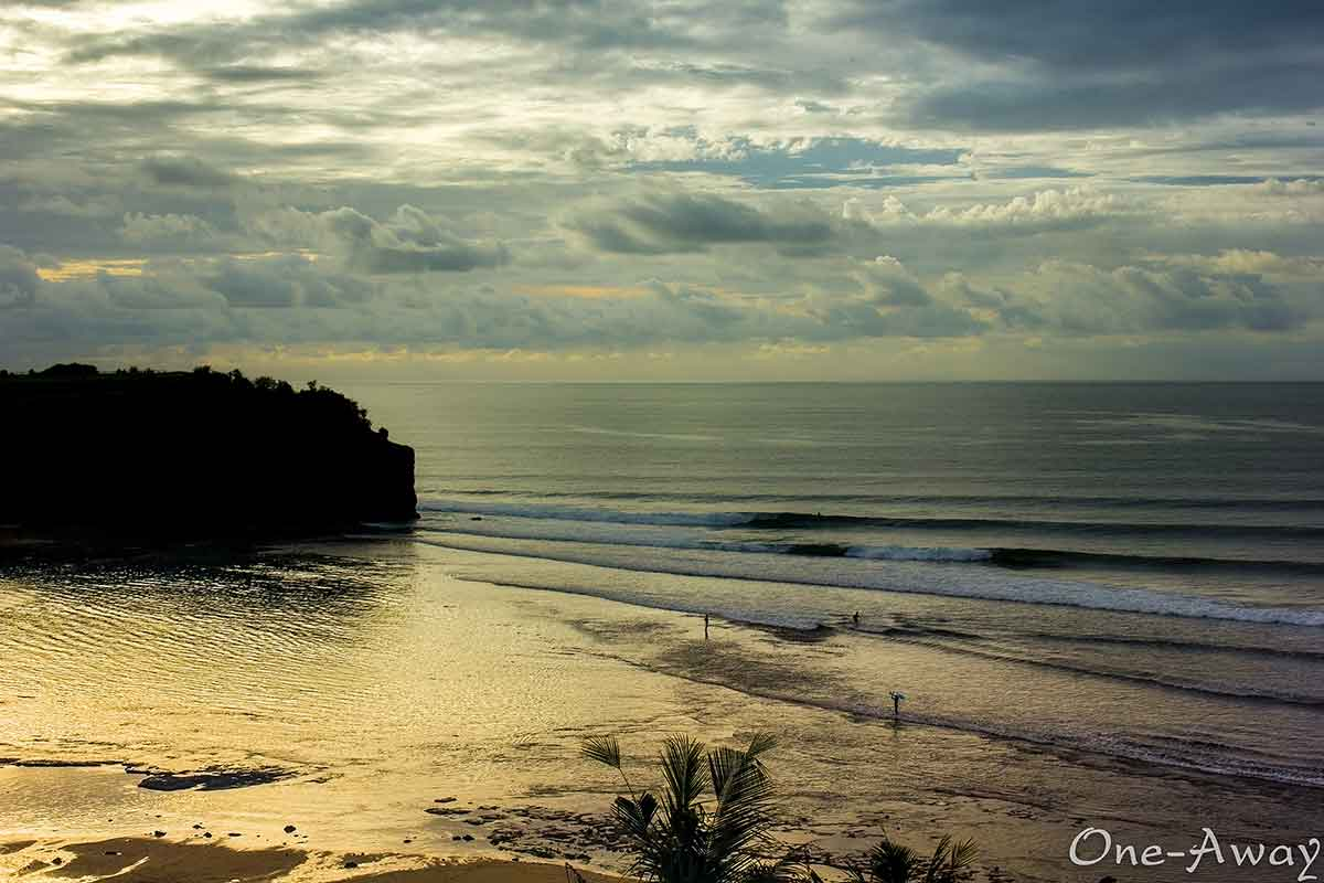 balangan beach sunset reflection bali