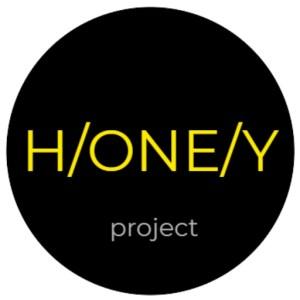 ONEHONEYPROJECT_logoワンハニープロジェクトはちみつマイスター世界各国、国内から選定した逸品はちみつをお届けします。