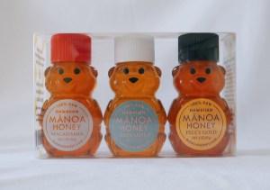 ベビーベアートリオ 3種類のハアイアンハニ―が可愛いくま形をした容器に入っています。蜜源は、マカダミアナッツ、オヒアレフア、ペレズゴールド(百花)。