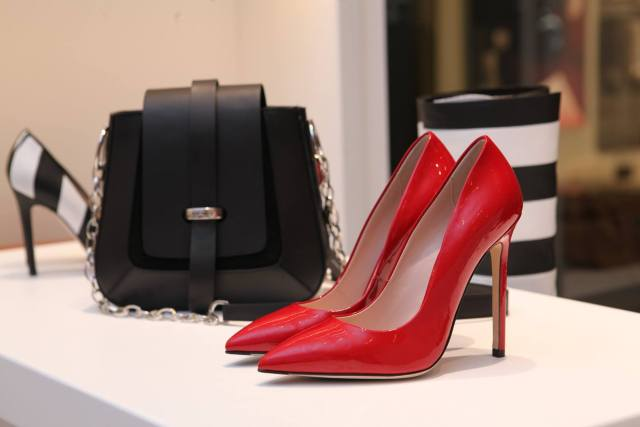 red–shoes
