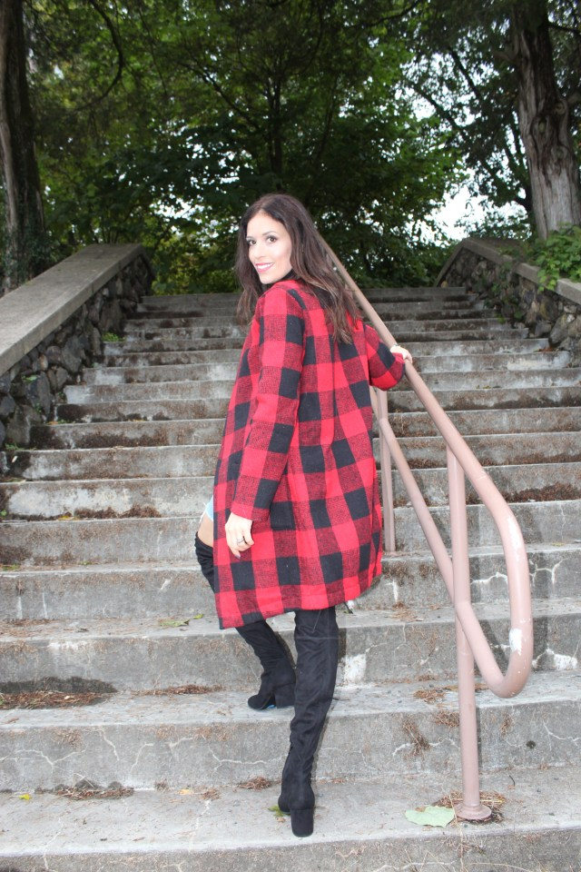 women–plaid–coat