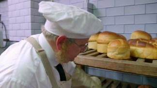 victorian.bakers.s01e03.720p.hdtv.x264-c4tv.mkv_snapshot_28.22_[2016.01.21_17.12.46]