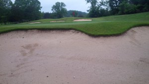 The 60 bunkers at Hidden Cove had impressively clean sand, with which I became acquainted on the 1st hole.