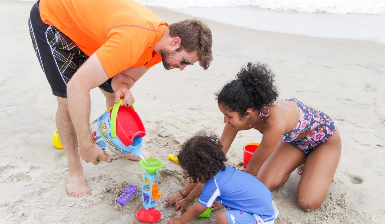 What to Pack for a Family Beach Day