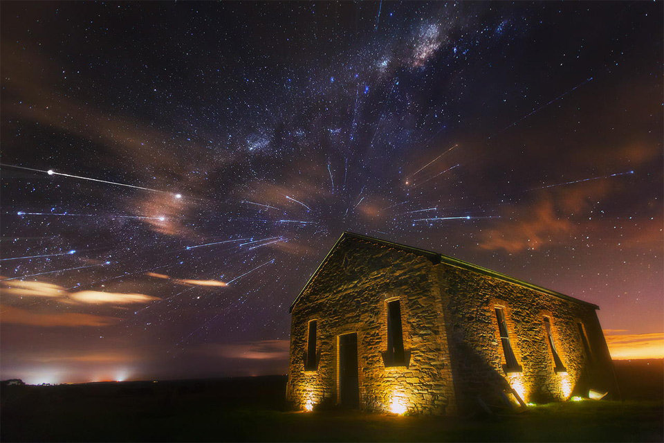 meteor shower and milky way