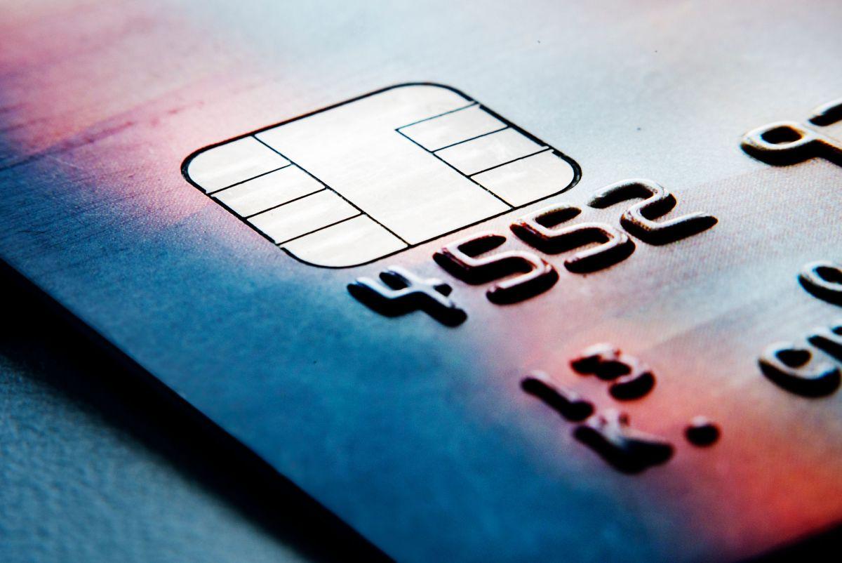 closeup-of-credit-cards-PMVHNQK.jpg?fit=1200%2C802&ssl=1