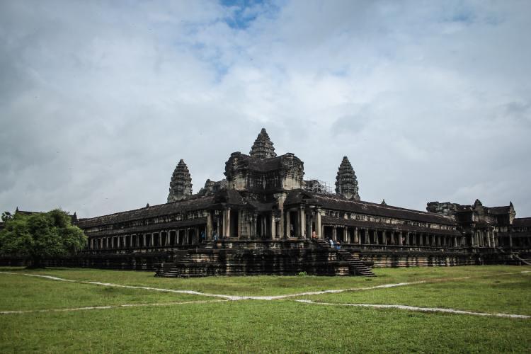 main temple in angkor wat