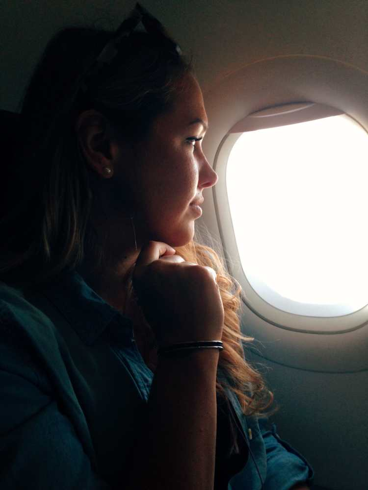 The #1 Tip for Travelers with Contacts on Airplanes