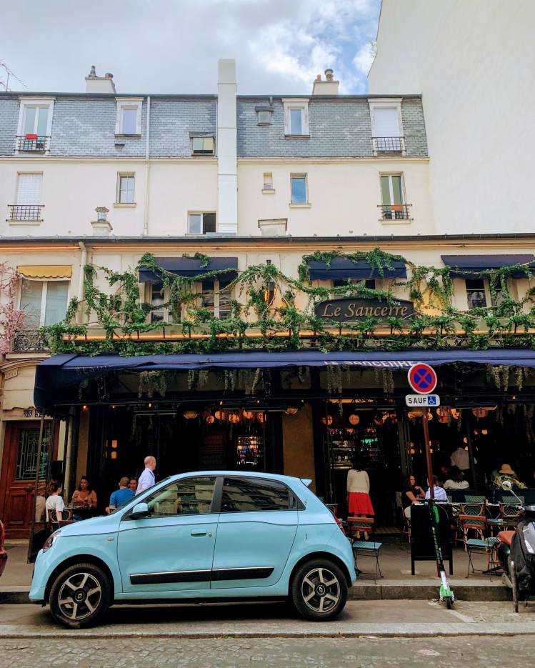 Romantic Weekend in Paris - Montmartre Neighborhood
