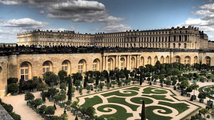 Romantic Weekend in Paris - Palace of Versailles Gardens