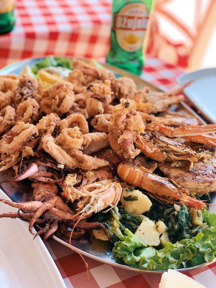 Sibenik croatia where to eat seafood Restaurant - Pizzeria Argola