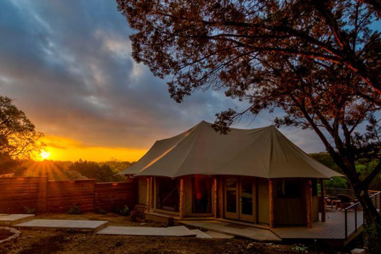 Custom safari tent glamping
