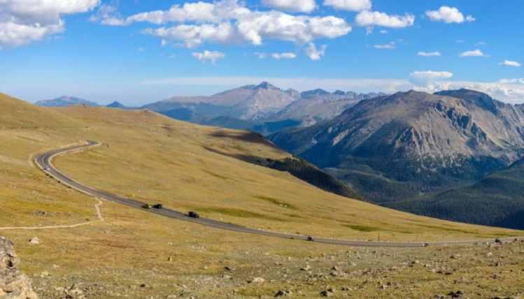 drive trail ridge road - estes park colorado