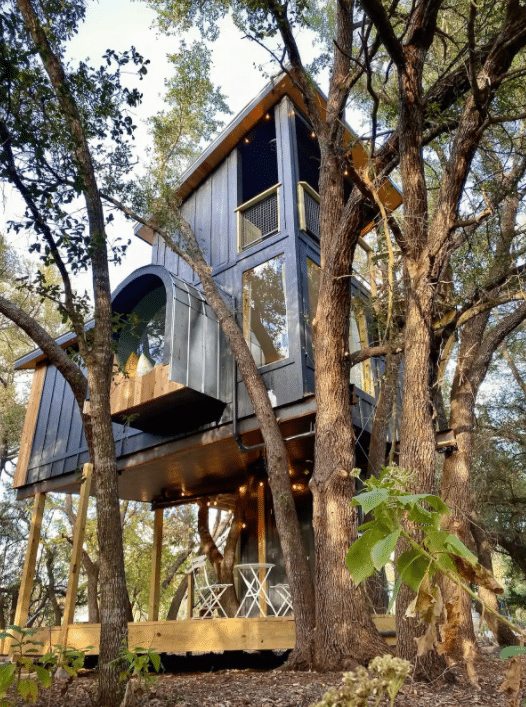 Leaf Treehouse at HoneyTree Farms