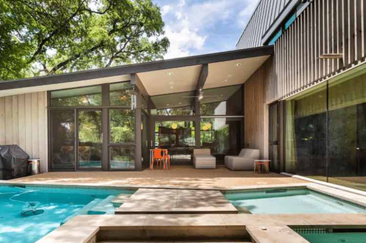 Cool Midcentury Modern Downtown Austin Airbnb