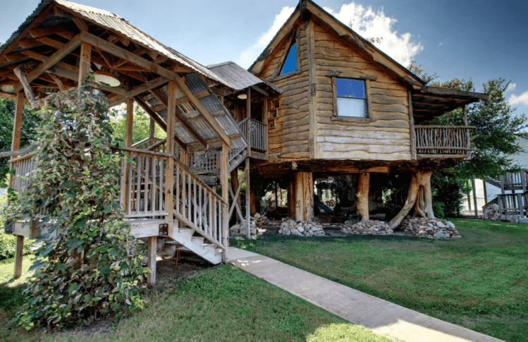 New Braunfels treehouse