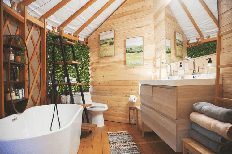 Glamping Yurt Luxury Bathroom