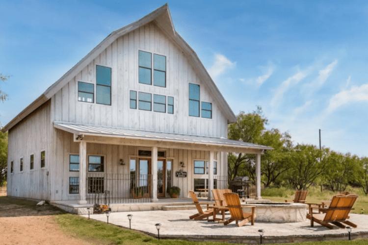 N.K. Harper Barnhouse Airbnb