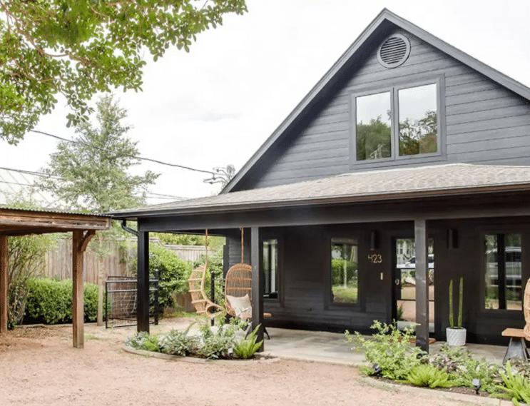 Njem Haus Airbnb in Fredericksburg