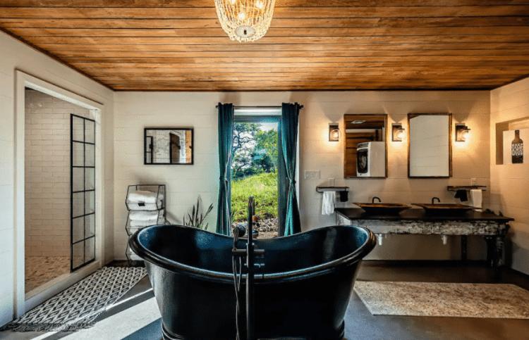 Tipsy Peach Barn Airbnb