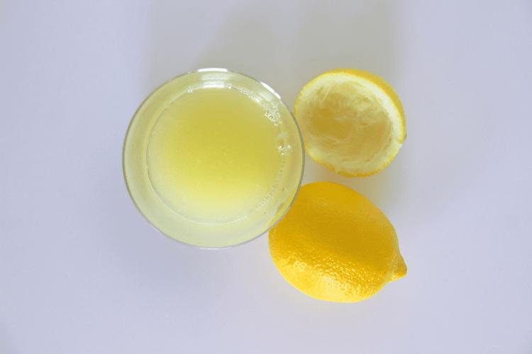 best beach hacks for summer - lemon juice highlights