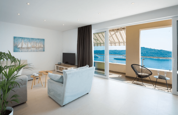 Dubrovnik Croatia Guide: Airbnb with view of ocean and oldtown