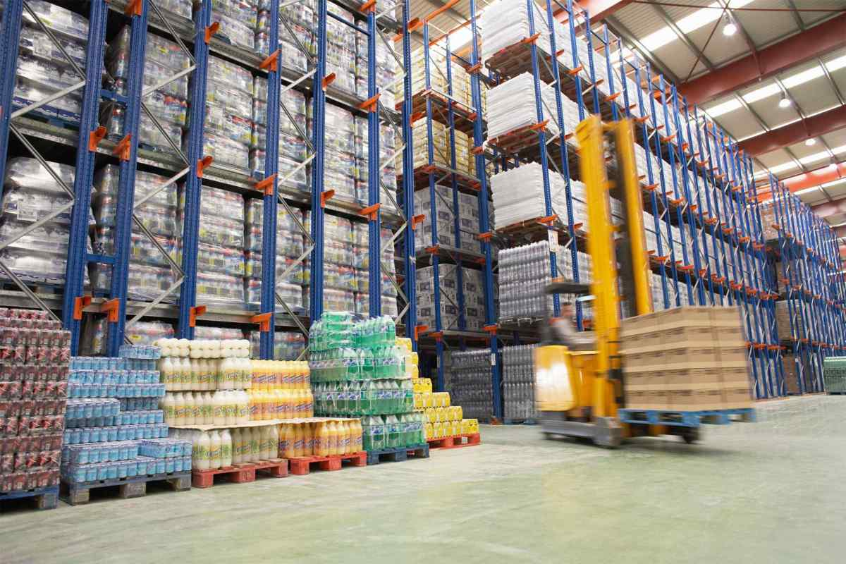 Warehouse-and-lifter.jpg?fit=1200%2C800&ssl=1