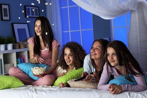 lesbian sleepover games
