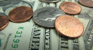 2738 close up of us currency pv