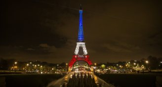 Ct photos eiffel tower in the french flag s colors 20151116