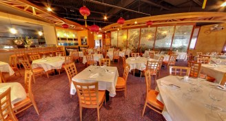 2 dining room of tc choys bistro chinese restaurant in soho district of the hyde park neighborhood tampa fl e1421802942279