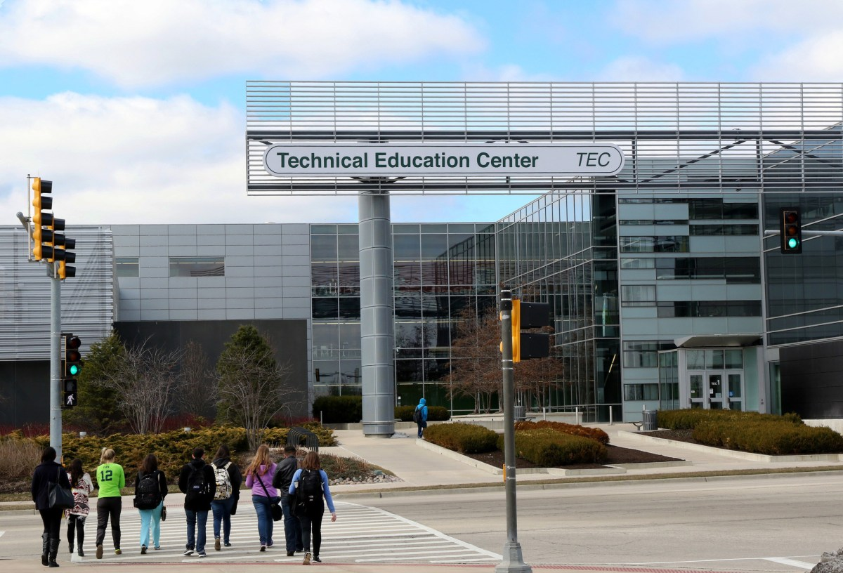 10 Coolest Clubs at College of DuPage