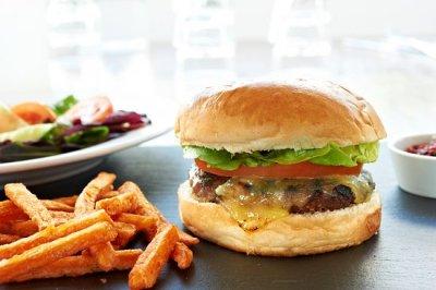 photo of a 6 oz steak burger