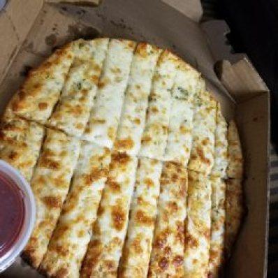 the cheesy sticks and marinara